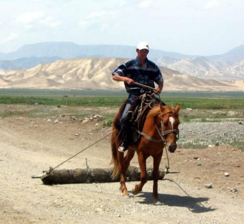 rolling-felt-acha-kayingi-village_kyrgyzstan.jpg
